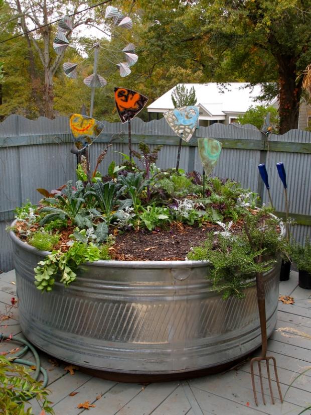 Accessorised vegetable garden