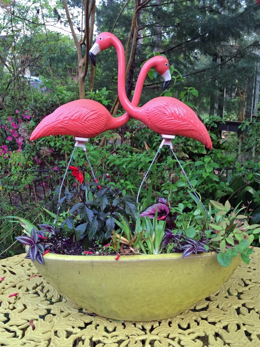 Planter with flamingos