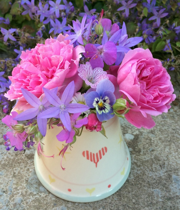 Rosa Harlow Carr flower posy