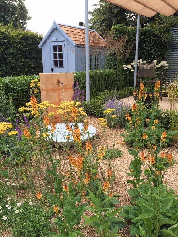 Final5 Retreat Garden: Garden shed and water feature