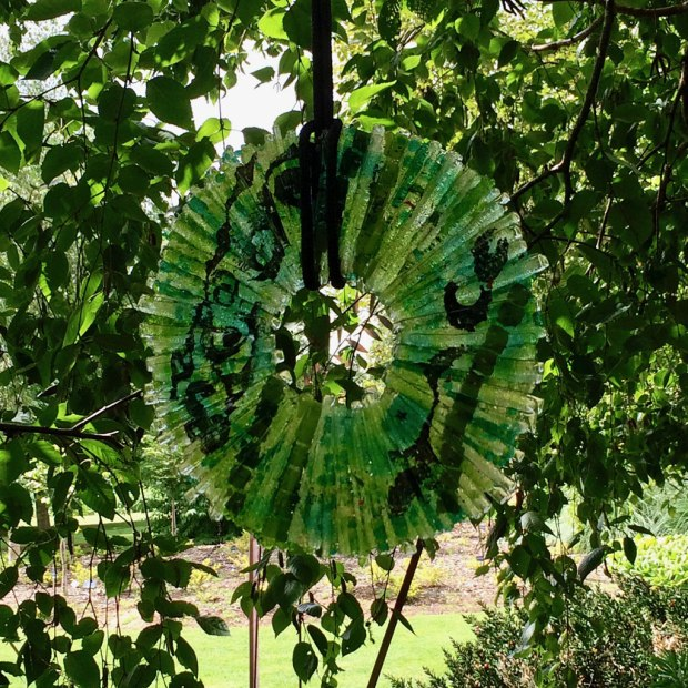 Green glass disk