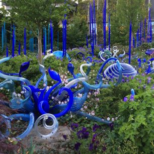 Curly and spiky blue art glass by Chihuly