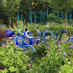 Sinuous blue and spiky turquoise Chihuly art glass
