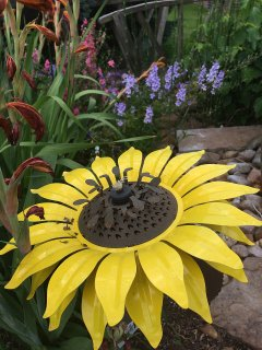 Metal flower garden lamp