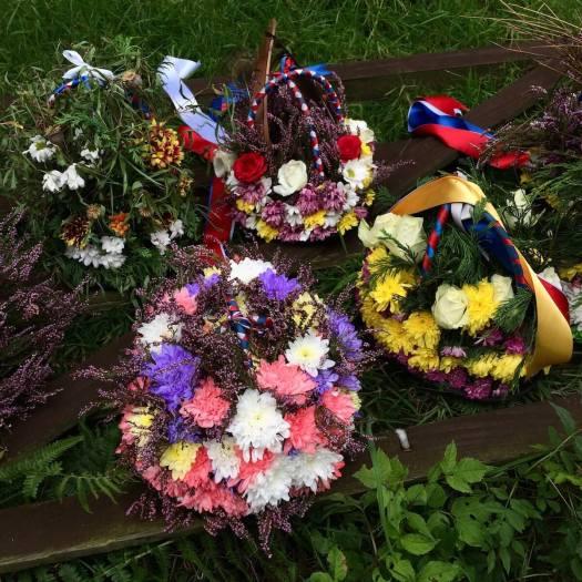 Morris flower hats