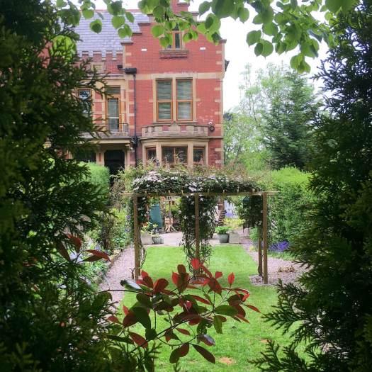 Darwen garden with pergola