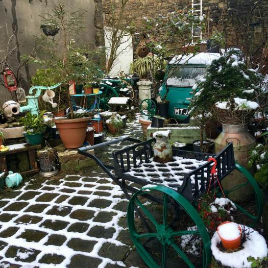 Lancashire back yard with Mini and many garden accessories