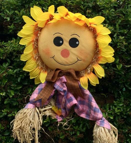 Scarecrow lady with sunflower style hair